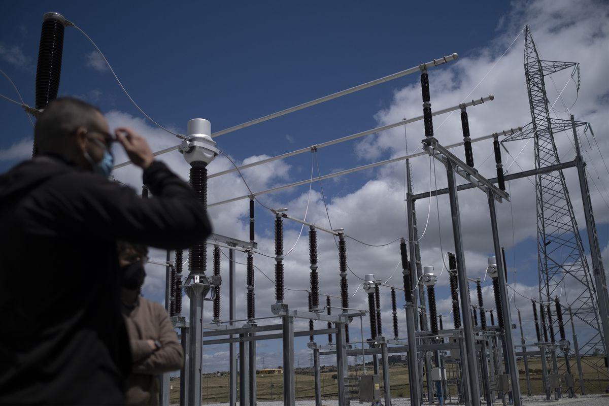 El precio de la electricidad sigue subiendo y marca un nuevo récord para este jueves: 141,71 euros el megavatio hora |  Ciencias económicas