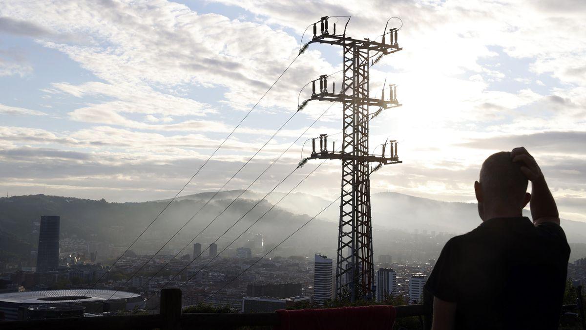 El precio de la luz es de 160,4 euros el megavatio hora, el domingo más caro de la historia  Ciencias económicas