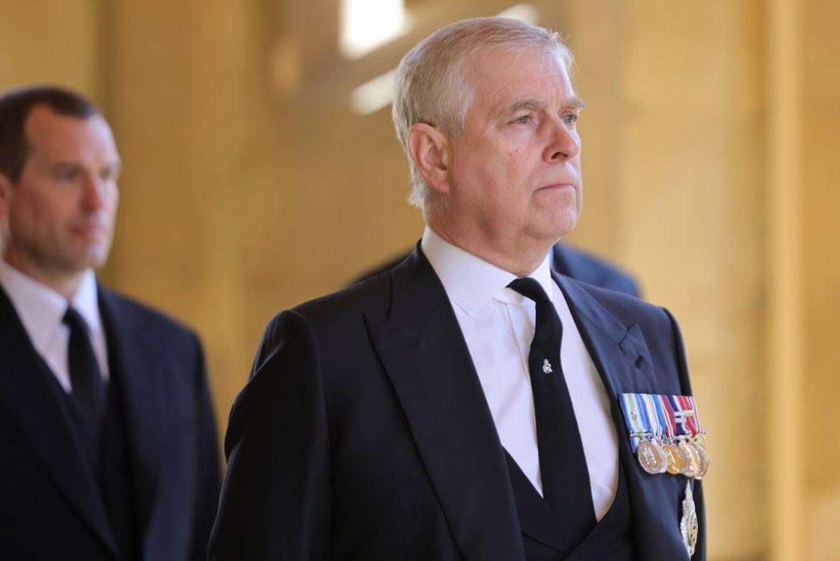 El príncipe Andrés recibe formalmente denuncia de violencia sexual  Comunidad