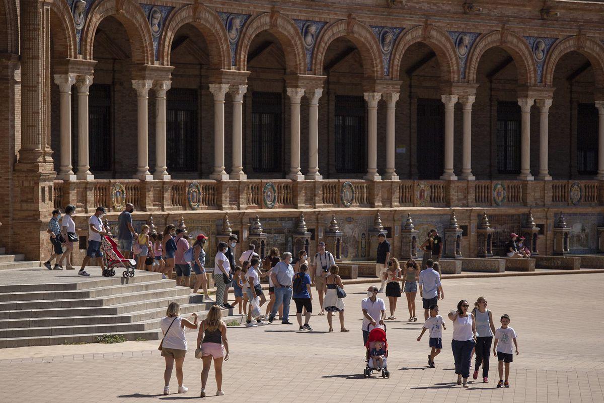 El turismo quiere alargar el verano hasta noviembre para superar pérdidas  Ciencias económicas