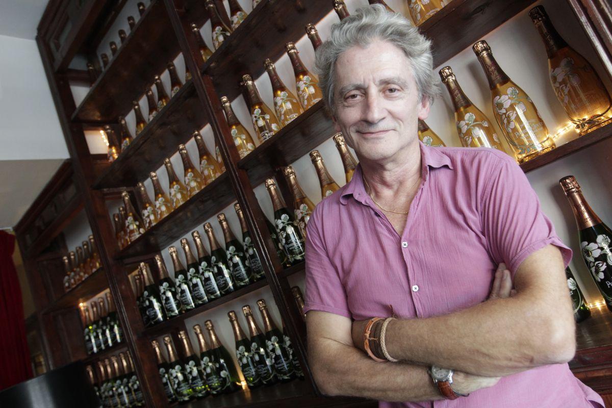 Fallece Antonio Gassett, el mítico presentador y crítico de los Días de Cine  Cultura