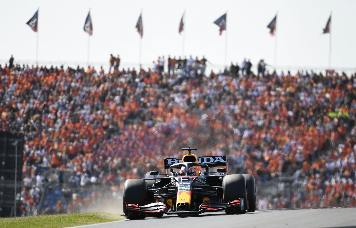 Fórmula 1: Verstappen se escapa de Mercedes  deporte