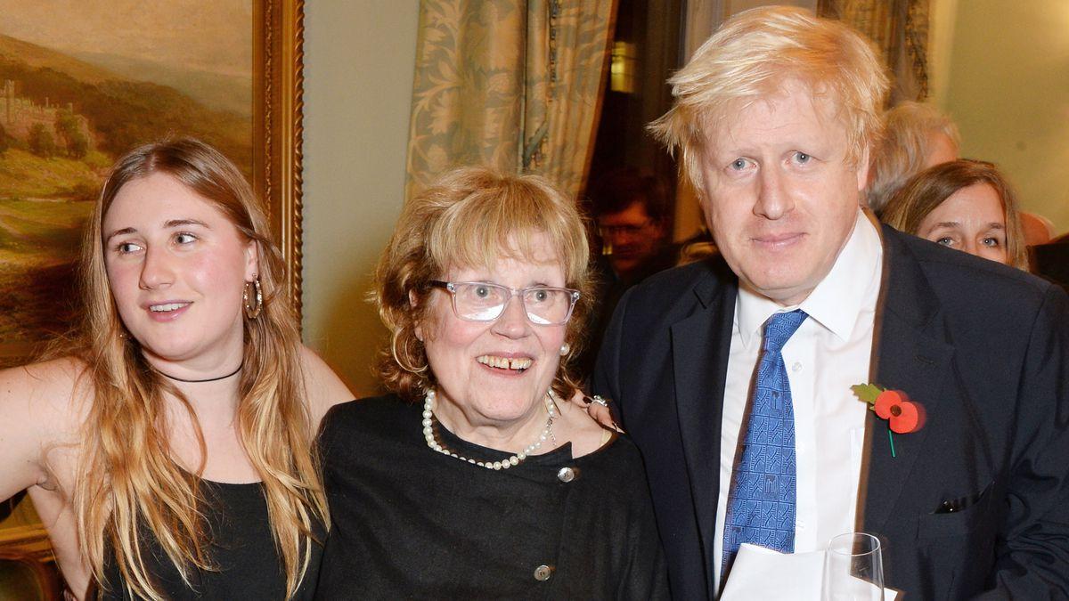 Ha fallecido la madre del primer ministro británico Boris Johnson, la artista Charlotte Johnson  Gente