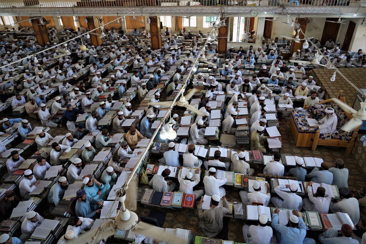 Hakania Madrasa: la fábrica de los ministros del nuevo régimen talibán  Internacional