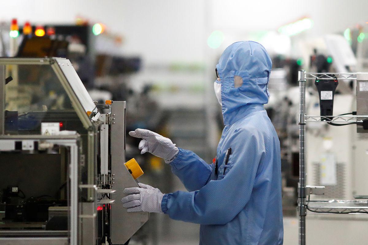 Industria: La falta de oferta ya afecta a la producción del 37% de las industrias españolas    Ciencias económicas