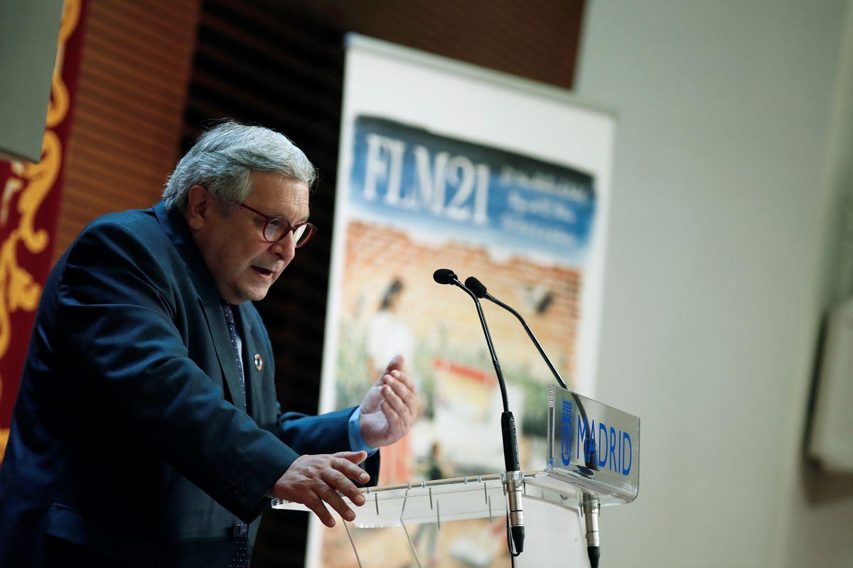 La Feria del Libro de Madrid prevé grandes ventas a pesar de la reducción de capacidad  Cultura