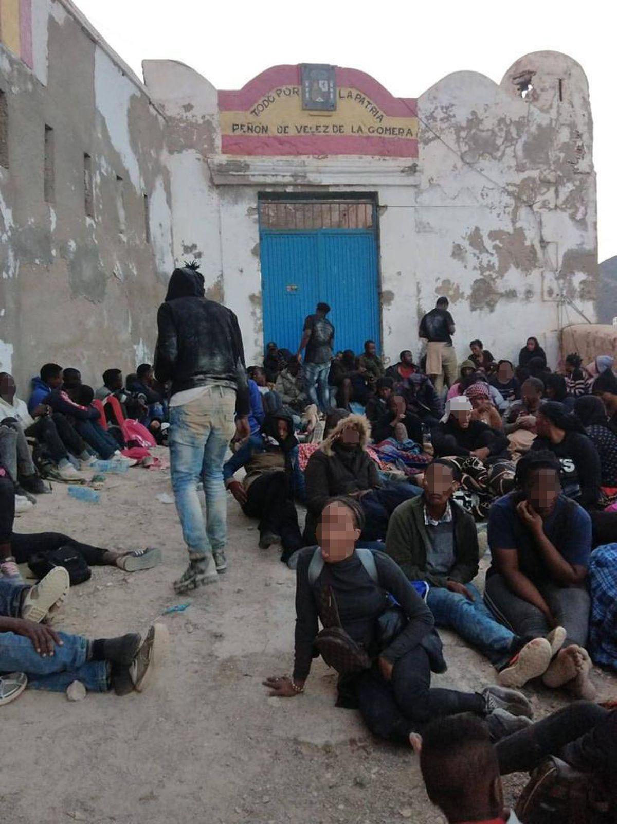 La Gomera: España devuelve a Marruecos a 125 inmigrantes que entraron en una roca española cerca de Al Hoceima |  España