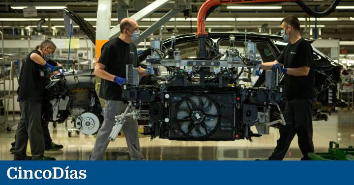 La falta de patatas fritas azota a las fábricas españolas con la pérdida de más de 130.000 coches  Compañías