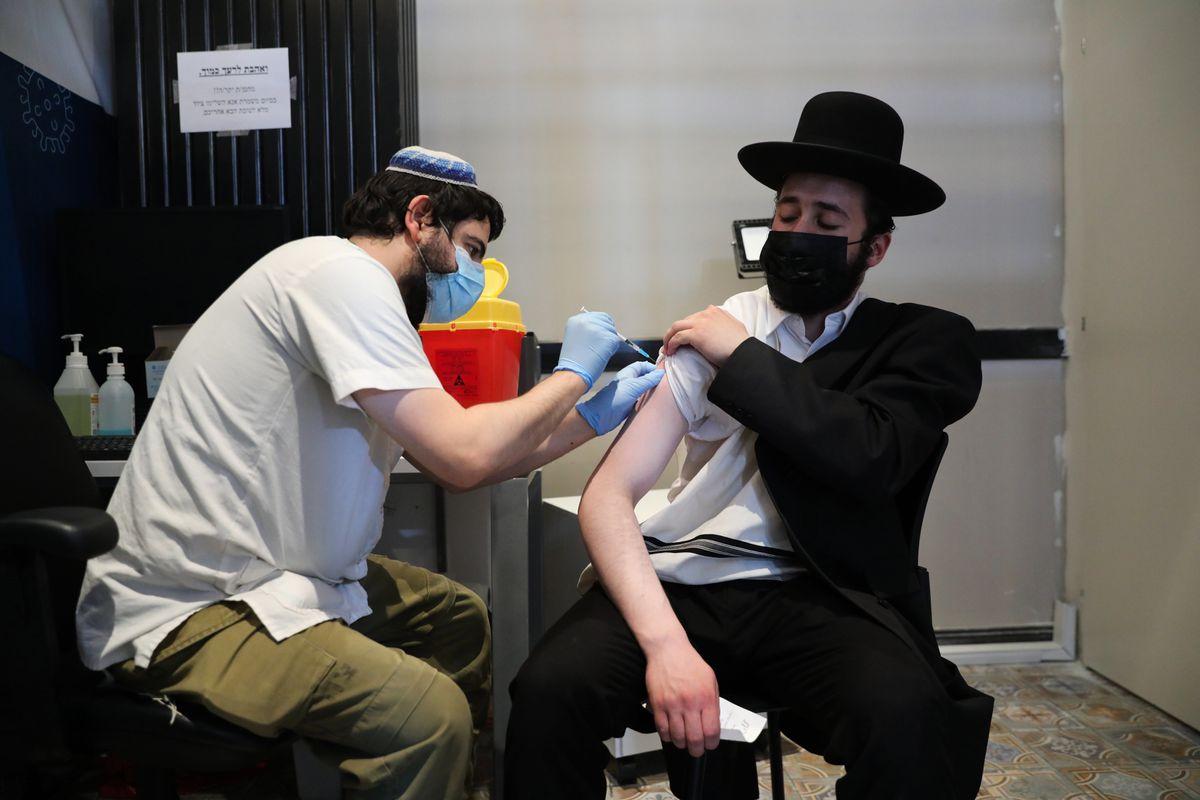 La tercera dosis multiplica la inmunidad, según un estudio sobre una población revacunada en Israel  Comunidad