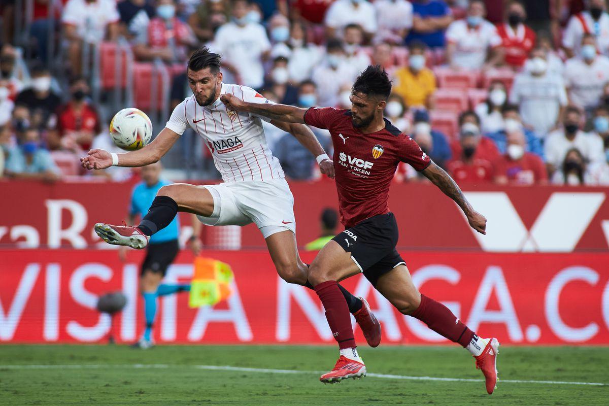 LaLiga: el Sevilla rebaja al Valencia  deporte