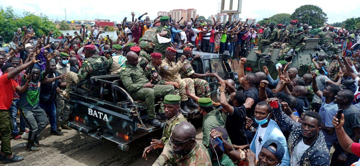 Los líderes del golpe en Guinea-Conakry declaran un gobierno de unidad nacional  Internacional