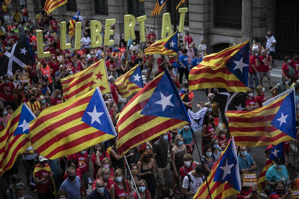 """Los más fieles de la Diada: """"La independencia pasa por el pueblo, hay que volver a empujar""""  Cataluña"""