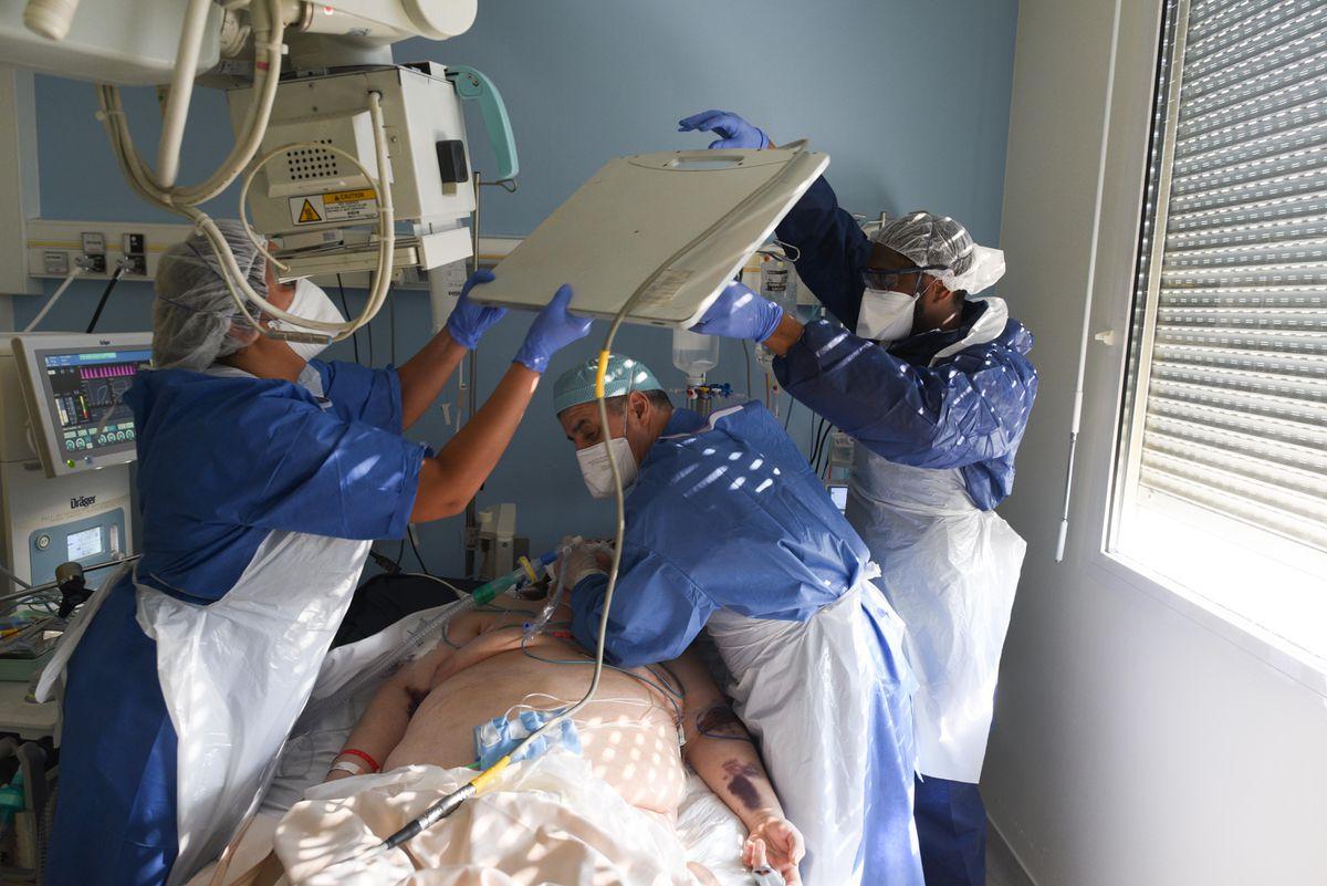 Más del 90% del personal sanitario francés ya ha sido vacunado contra COVID-19  Comunidad