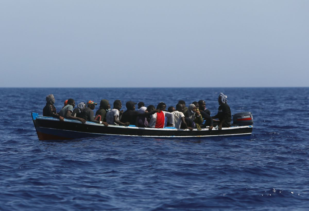 Medio círculo en alta mar, la fórmula para evitar que los inmigrantes entren en la UE  Internacional
