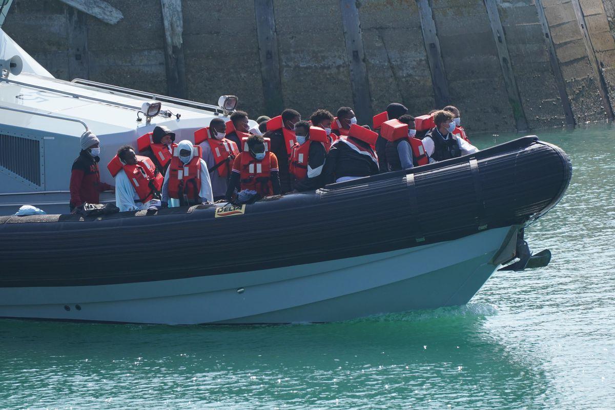 Reino Unido critica a Francia por el aumento de llegadas de inmigrantes a través del Canal de la Mancha |  Internacional
