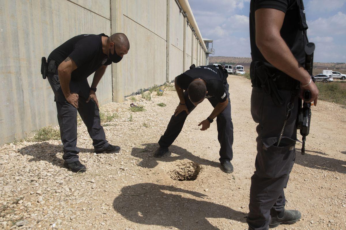 Seis presos palestinos escapan por un túnel de la prisión con máxima seguridad en Israel    Internacional