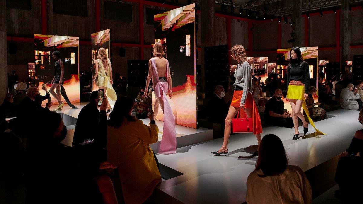 Sí, hay un regreso a la Semana de la Moda de Milán  Gente