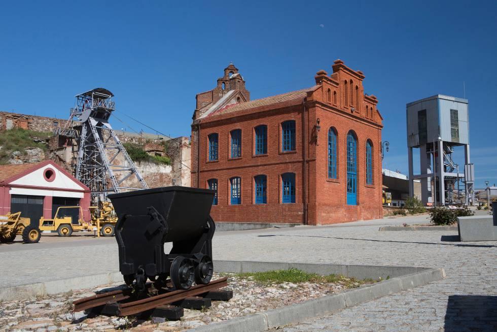Valle de Alcudia, pasado y pasado industrial para descubrir en paz