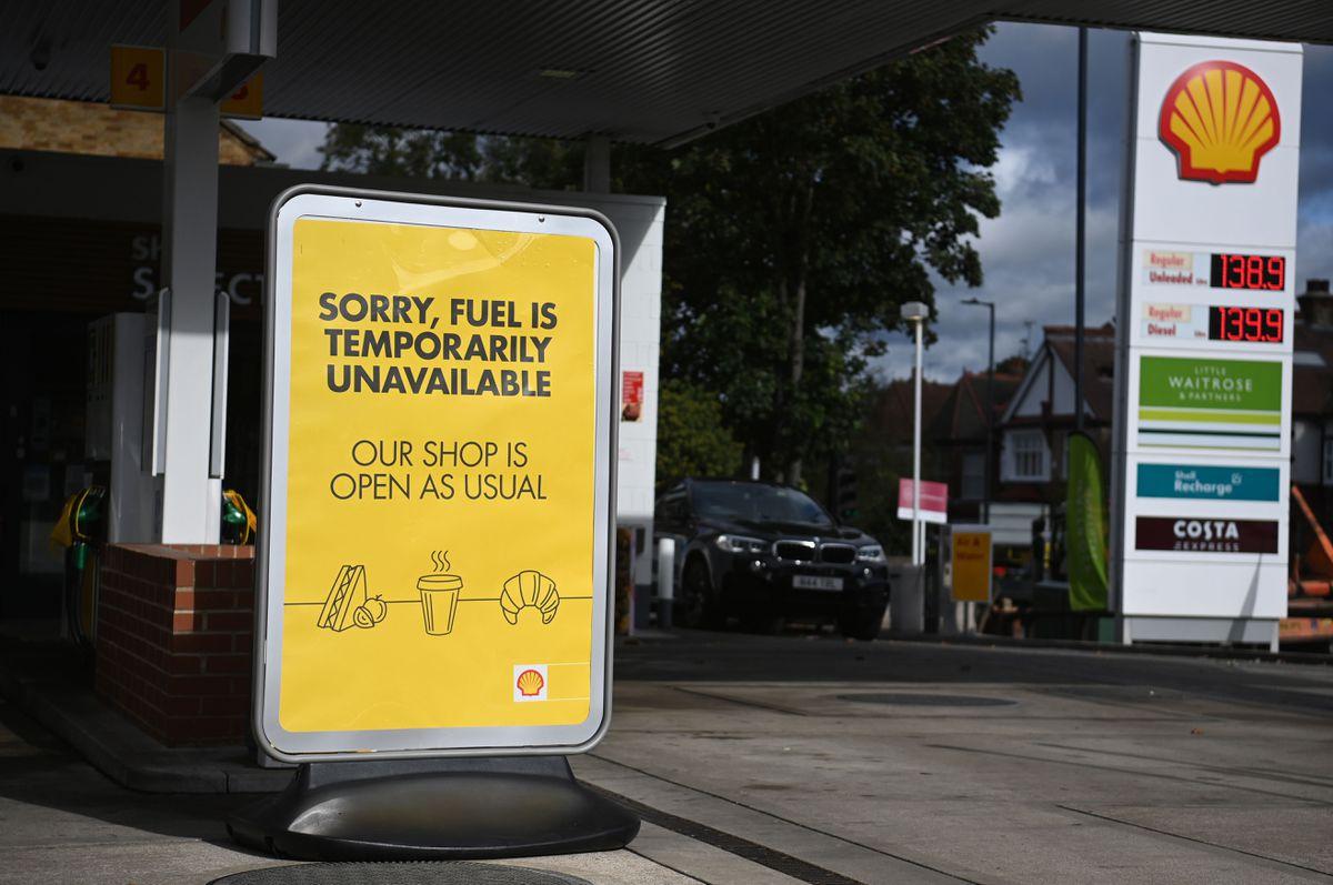 El ejército distribuirá gasolina en Reino Unido a partir del lunes  Internacional