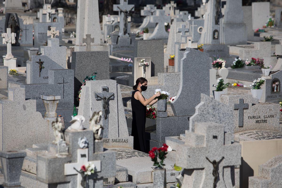 La muerte tiene un coste en España: 1565 millones de euros  Negocio