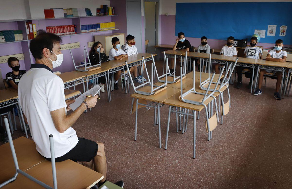 Las aulas esperan una mayor disminución en la incidencia del coronavirus para dejar atrás las máscaras Educación