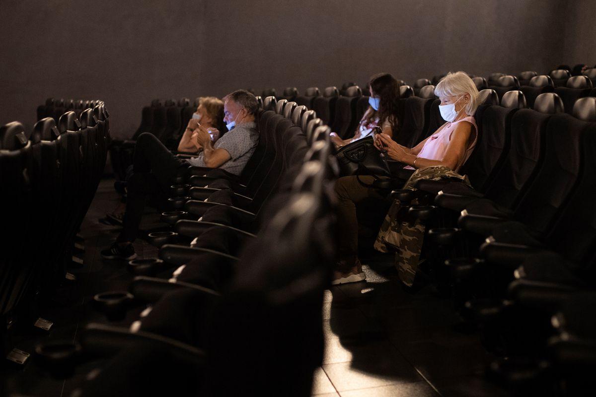 Los cines se enfrentan a la vida o la muerte.  Cultura