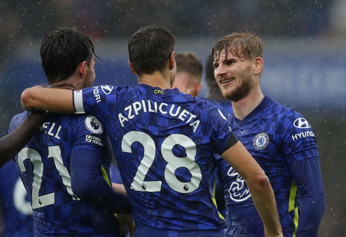 Premier League: Chelsea solo crece contra diez  deporte